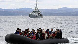 """""""مفوضية اللاجئين"""" تطالب الدول الأوروبية بوضع حد """"لعمليات الترحيل غير الشرعي"""" للمهاجرين"""