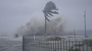 دومین طوفان دریایی طی یک هفته اخیر سواحل هند را در نوردید