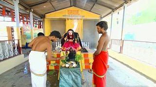 معبد مخصص لإلهه كورونا بالقرب من مدينة كويمباتور في جنوب الهند.