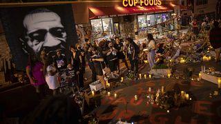 ABD: Polis şiddeti sonucu hayatını kaybeden George Floyd, ölümünün birinci yılında anıldı