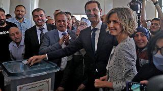 Baschar al-Assad bei der Stimmabgabe