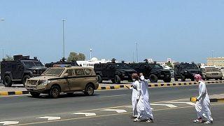 سيارات شرطة في مدينة صحار، سلطنة عمان.