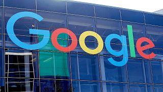 """المفوضية الأوروبية تكشف عن خطتها لإلزام شركات التكنولوجيا بـ""""محاربة المعلومات المضلّلة"""""""