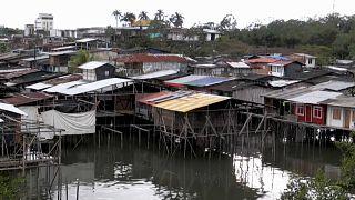 Muchas de las viviendas del barrio de La Playita de Buenaventura son palafitos