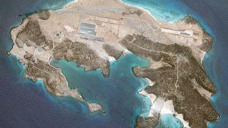 السعودية نيوز |      برلمانيون يمنيون يطالبون توضيحا من الإمارات حول القاعدة العسكرية في جزيرة ميون