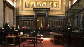 جلسه دادگاه شرکت آسترازنکا
