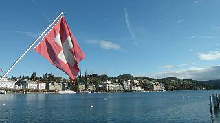 Η Ευρωπαϊκή Ένωση προειδοποιεί την Ελβετία