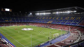 Il tonfo del calcio causa Covid. Crolla il valore d'impresa dei big club europei