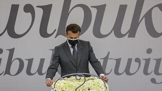 Macron visita el memorial del genocidio ruandés en Kigali