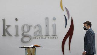 Emmanuel Macron prestou homenagem aos mortos no Ruanda