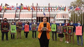 KHK'lı eski Türk diplomatlardan Strasbourg'da işkence protestosu