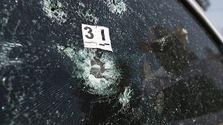 Imagen del vehículo tiroteado del candidato Guillermo Valencia.