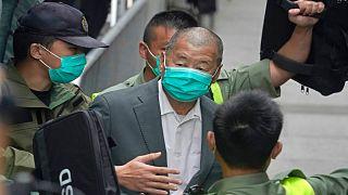 قطب الإعلام في هونغ كونغ جيمي أثناء مغادرته محكمة الاستئناف في البلاد يوم الجمعة 28 أيار/مايو 2021
