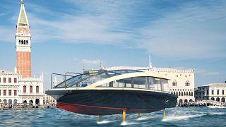 """L'aliscafo """"volante"""" sbarca a Venezia..."""