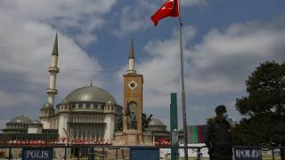 المسجد الجديد في ساحة تقسيم في إسطنبول