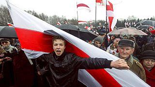Geçtiğimi günlerde uçaktan indirilerek Belarus'ta gözaltına alınan muhalif gazeteci Roman Protaseviç.