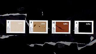 Farklı renklerde ve fiyatlarda olan pullar
