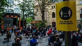 Németországban már megnyitottak a kulturális intézmények, de csak szabadtéren