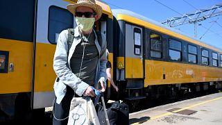 Zugreisender bei der Ankunft in Rijeka (Aufnahme aus dem Jahr 2020)