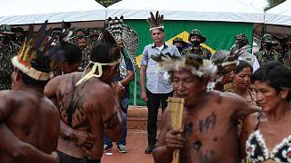 Brezilya Devlet Başkanı Jair Bolsonaro Yanomanilerle görüştü