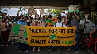 مظاهرة تطالب بالتصدي لتغير المناخ