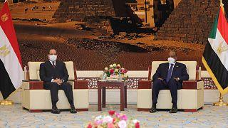 الرئيس المصري عبد الفتاح السيسي ورئيس المجلس الانتقالي السوداني عبد الفتاح البرهان