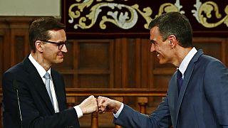 Los jefes de Gobierno polaco, Mateus Morawiecki, y español, Pedro Sánchez