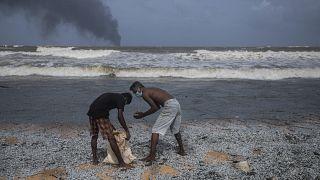Súlyos környezetszennyezés Srí Lanka partjainál