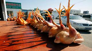 سوق لبيع الدواجن في الصين