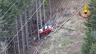 Die abgestürzte Seilbahn am Monte Mottarone in der Nähe des Lago Maggiore