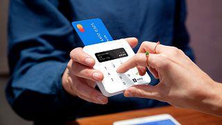 Kártyás fizetés (illusztráció)