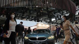 ساعدت المبيعات المزدهرة في الصين على دفع شركة بي أم دبليو الألمانية لصناعة السيارات الفاخرة إلى تحقيق أرباح أقوى في الأشهر الثلاثة الأولى من العام