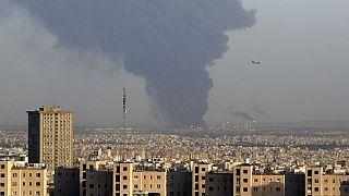 تصاعد دخان كثيف من مصفاة النفط الرئيسية في طهران