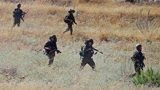 عدد من الجنود الإسرائيليين خلال دورية قرب مدينة نابلس شمال الضفة الغربية المحتلة 16/07/2014