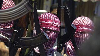 مسلحون من كتائب أبو علي مصطفى الجناح العسكري للجبهة الشعبية لتحرير فلسطين في خانيونس جنوب قطاع غزة. 21/08/2002