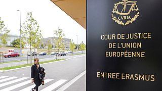 Европейский суд одобрил наказание Венгрии