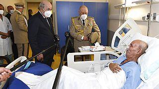 El presidente de Argelia visita en el hospital al líder del Polisario, Brahim Gali