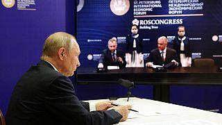 Elkezdődött a járvány utáni első gazdasági csúcstalálkozó Szentpéterváron