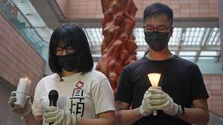 Chow Hang-tung (à gche), vice-présidente de l'Alliance Hong Kong, à l'origine de l'organisation chaque 4 juin d'une commémoration des événements de Tiananmen - le 02/05/2021