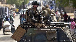 Mali : la France suspend ses opérations militaires conjointes