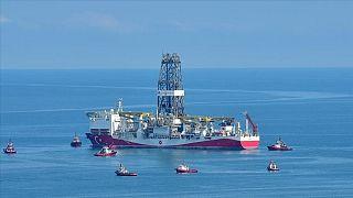 Türkiye'nin Karadeniz'de açıklarında yaptığı doğal gaz arama çalışmaları hızla devam ediyor.