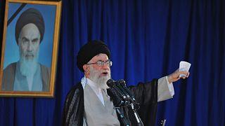 المرشد الاعلى للجمهورية الإيرانية علي خامنئي