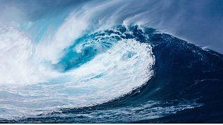 امواج حاصل از سونامی