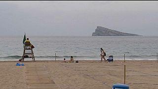 La playa de Benidorm, vacía de turistas