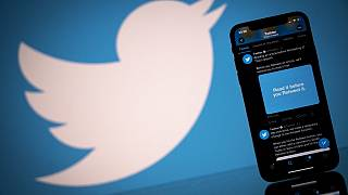 Nigeria suspends Twitter after deletion of Buhari's threatening tweet