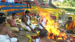 Covid-19 : en Inde, de nombreuses urnes funéraires non réclamées par les familles