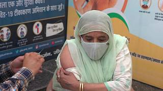 يعيق الخوف من الاختبارات واللقاحات محاربة كوفيد-19 في المناطق الريفية في الهند.