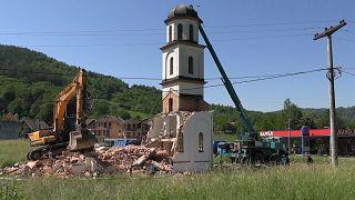 Bosna Hersek: Müslüman kadının bahçesine izinsiz yapılan kilise yıkıldı