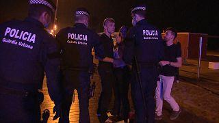 NO COMMENT | Nuevo desalojo masivo de jóvenes en Barcelona por no cumplir las normas sanitarias
