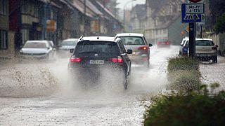 Überflutete Verkehrswege in Wernigerode im Harz